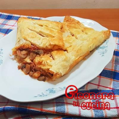STRUDEL SALATO DI PASTA SFOGLIA RIPIENO ricetta di Eleonora in Cucina - Eventi Salento