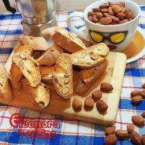 CANTUCCI BISCOTTI ALLE MANDORLE antica ricetta di Eleonora in Cucina - eventi Salento