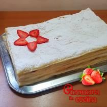 TORTA MILLEFOGLIE con crema e fragole ricetta semplice e golosa di Eleonora in Cucina - Eventi Salento