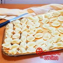ORECCHIETTE FATTE IN CASA ricetta della nonna e Eleonora in Cucina - Eventi Salento