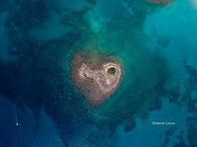 Nel Salento, Ritrovata isola a forma di cuore: ecco dove trovarla