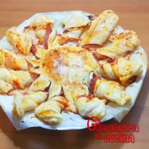 SOLE DI SFOGLIA ripieno di salame prosciutto provola ricetta di Eleonora in Cucina - Eventi salento