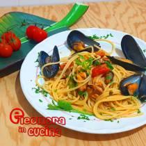 Spaghetti con le Cozze e pomodorini - ricetta Eleonora in Cucina - Eventi Salento