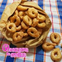 TARALLINI AL VINO la ricetta salentina di Eleonora in Cucina - Eventi Salento